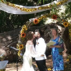 Amy & Eddy kiss 8-10-19